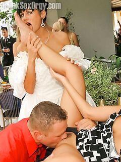 Очаровательное свадебная порно вечеринка