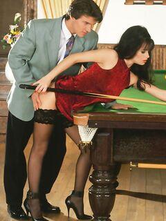 Сочный секс на бильярдном столе