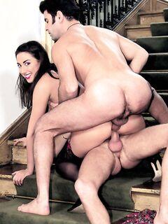 Жена любит трахаться с симпотичными парнями