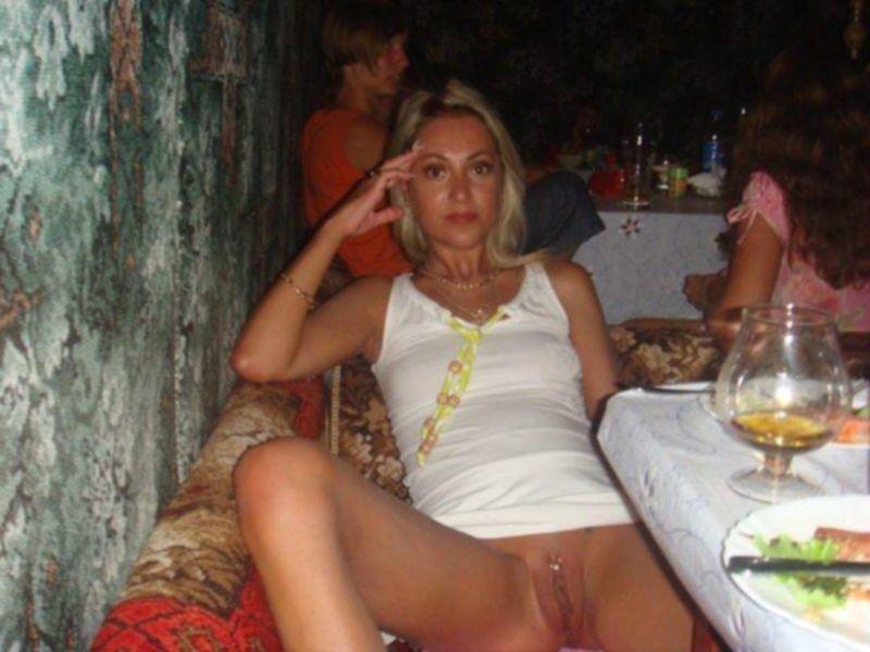 Хорошенькие девушки хотят почувствовать член в своей вагине