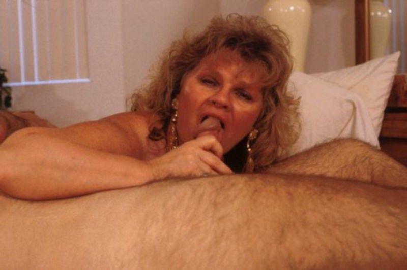Зрелые не стесняются орального секса