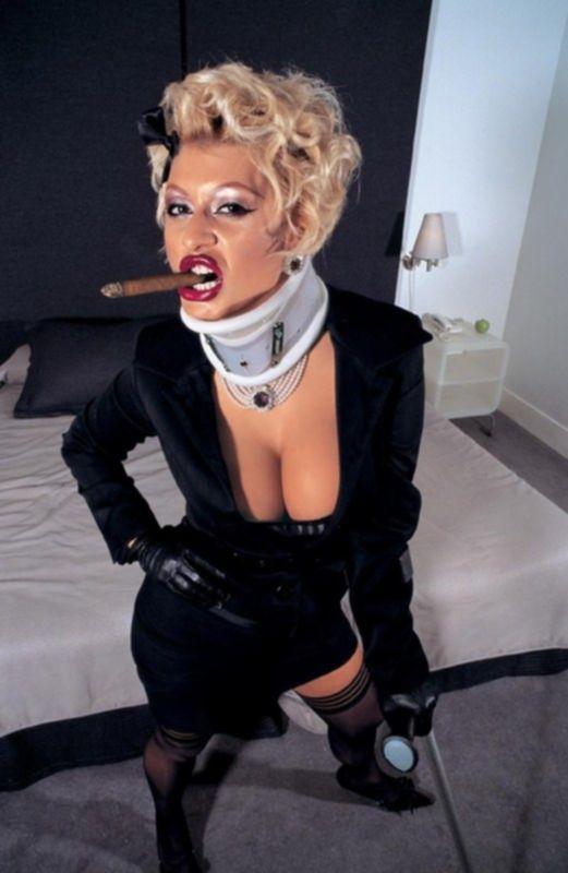 Зрелую блонду страстно наказали