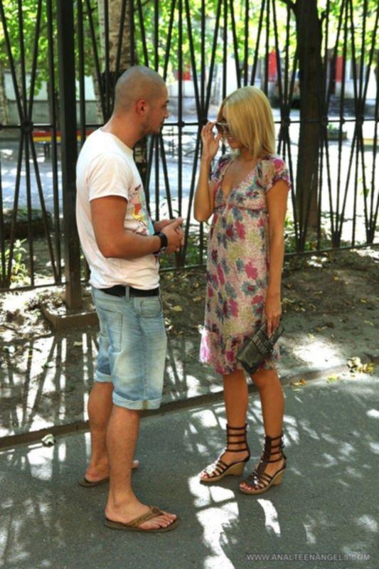 Снял на улице блондинку и трахнул её