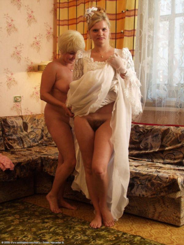 Беспорядочный секс с сексуальными невестами