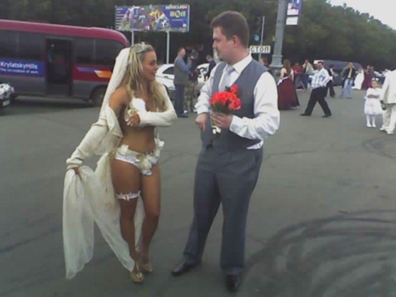 Пьяный секс с шикарными невестами