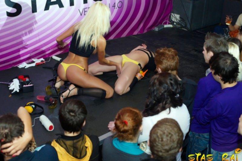 Развратная Катя Самбука развлекается с лесбиянкой