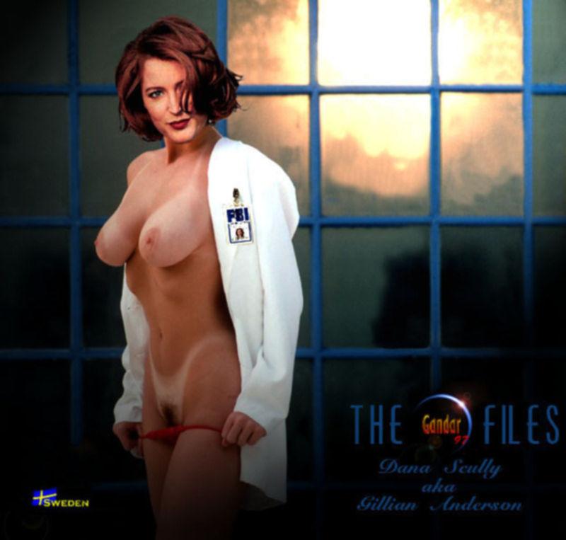 Знаменитая Джиллиан Андерсон демонтирует свою гладкую киску