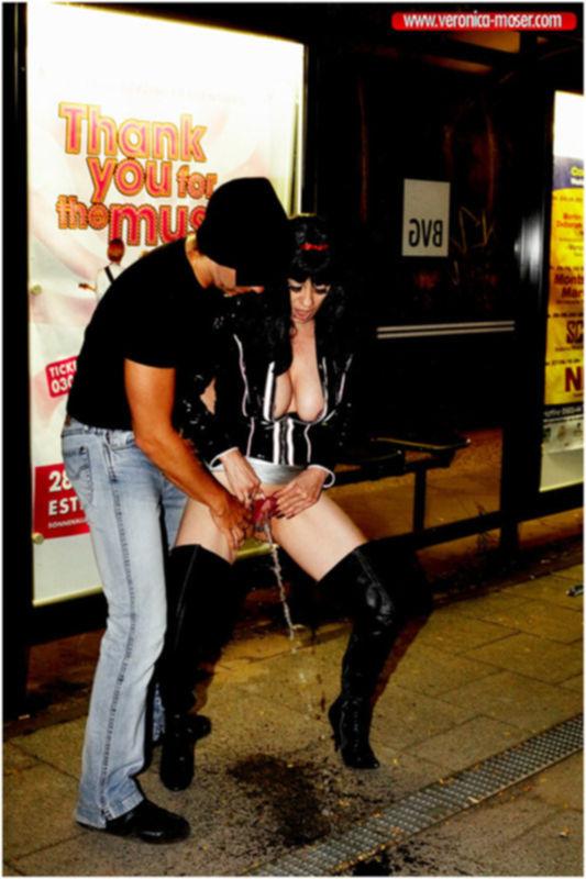 Секс с проституткой в переулке