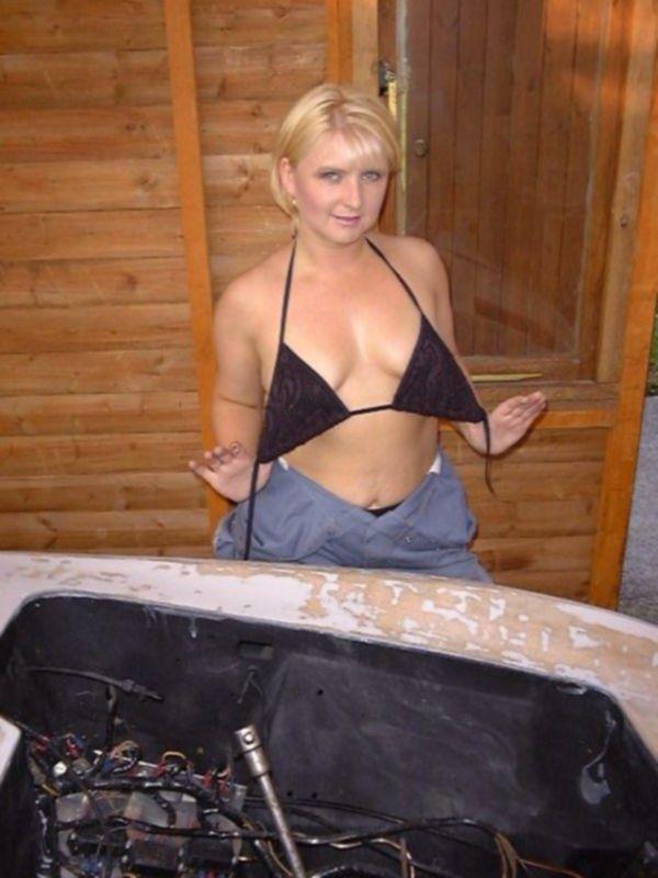 Блондинка  с красивой грудью хочет секса