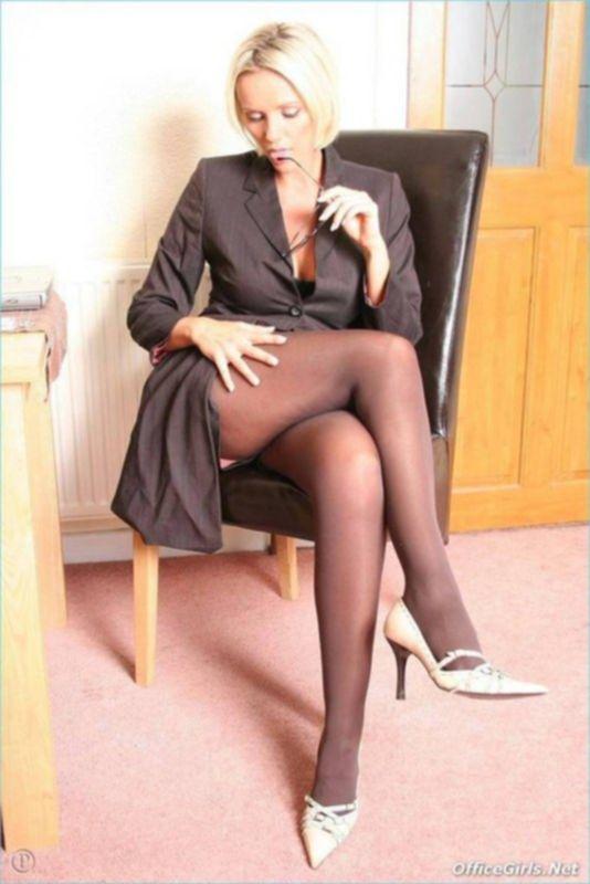 Стройненькие ножки и колготки