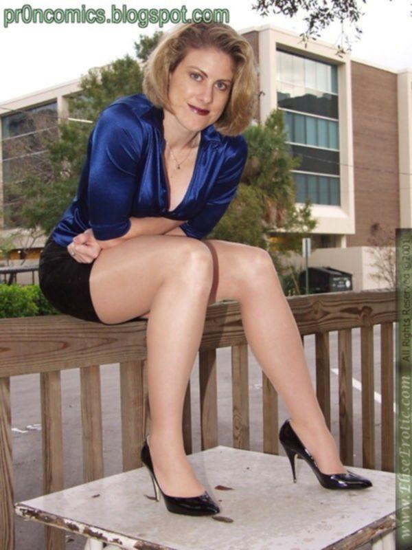 Зрелая женщина и её кривые ноги